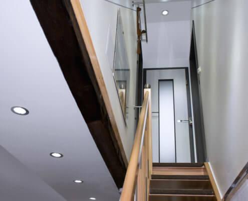Treppe zu Singlestudios – Ferienhof Kaiser Herrieden