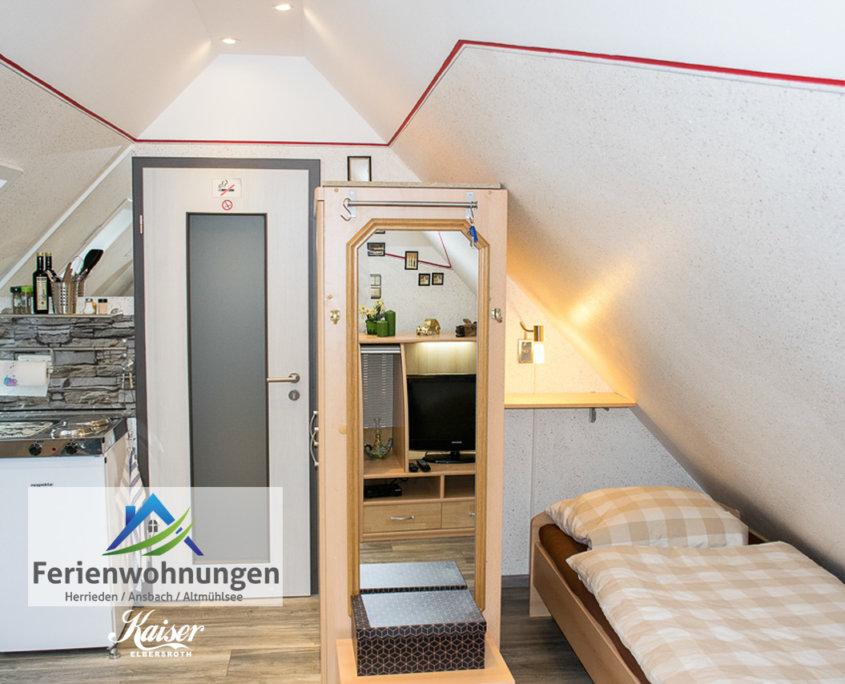 Singlestudio 1 mit Balkon – Ferienhof Kaiser in Herrieden