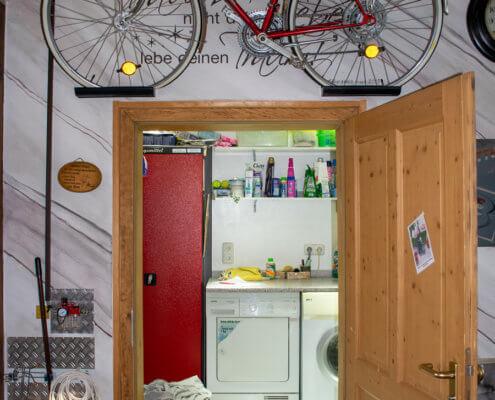 Waschraum für Singlestudios im Erdgeschoss – Ferienhof Kaiser